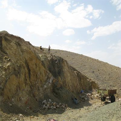 رخنمون مس مالاکیتی در اوج استان قزوین